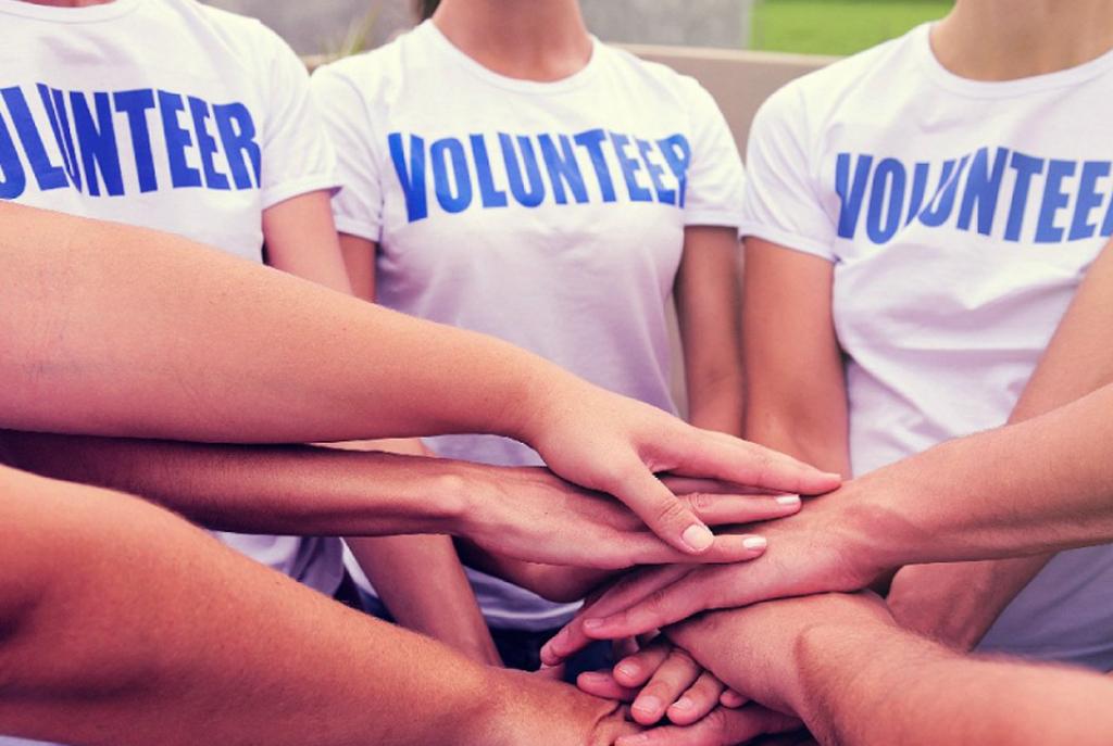 Волонтерская помощь пожилым людям
